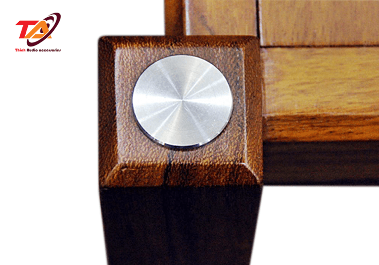 Nắp inox được sử dụng trong bộ kệ gỗ TAKG02