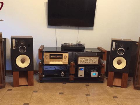 Kệ audio sản phẩm không thể thiếu đối với dàn âm thanh